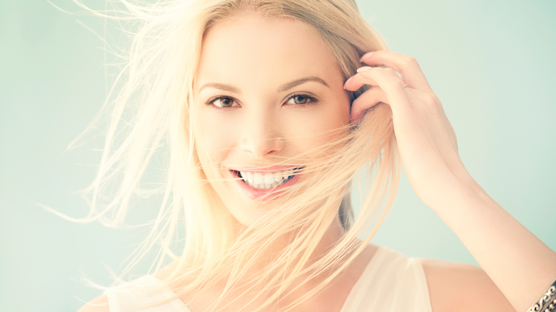 beautiful-woman-smiling