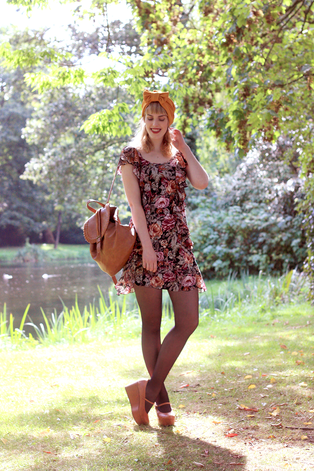 Retro-romantic-look-HM-floral-dress-Sacha-platform-Mary-Janes-wedges-turban-vintage-style-fashion-blog