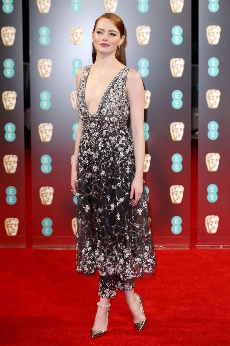 emma-stone-on-red-carpet-at-bafta-awards-in-london-uk-2-12-2017-1