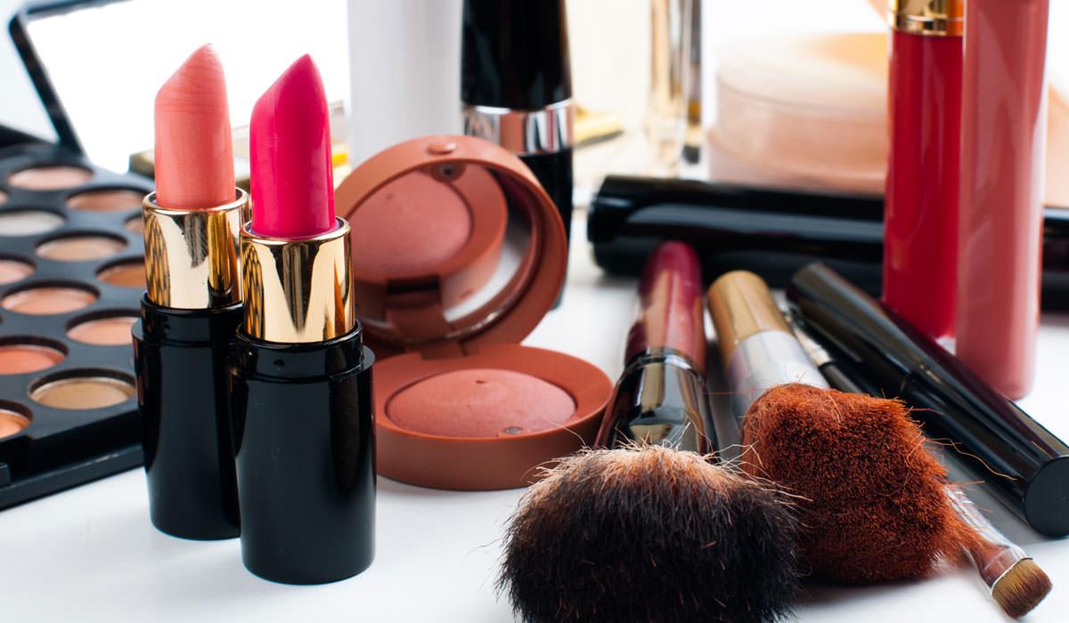 makeup-cosmetics1-1485693041