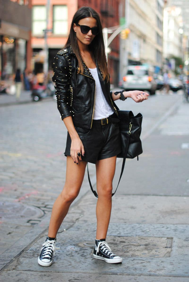 trendy-black-men-street-fashion-sneakers-look-fashion