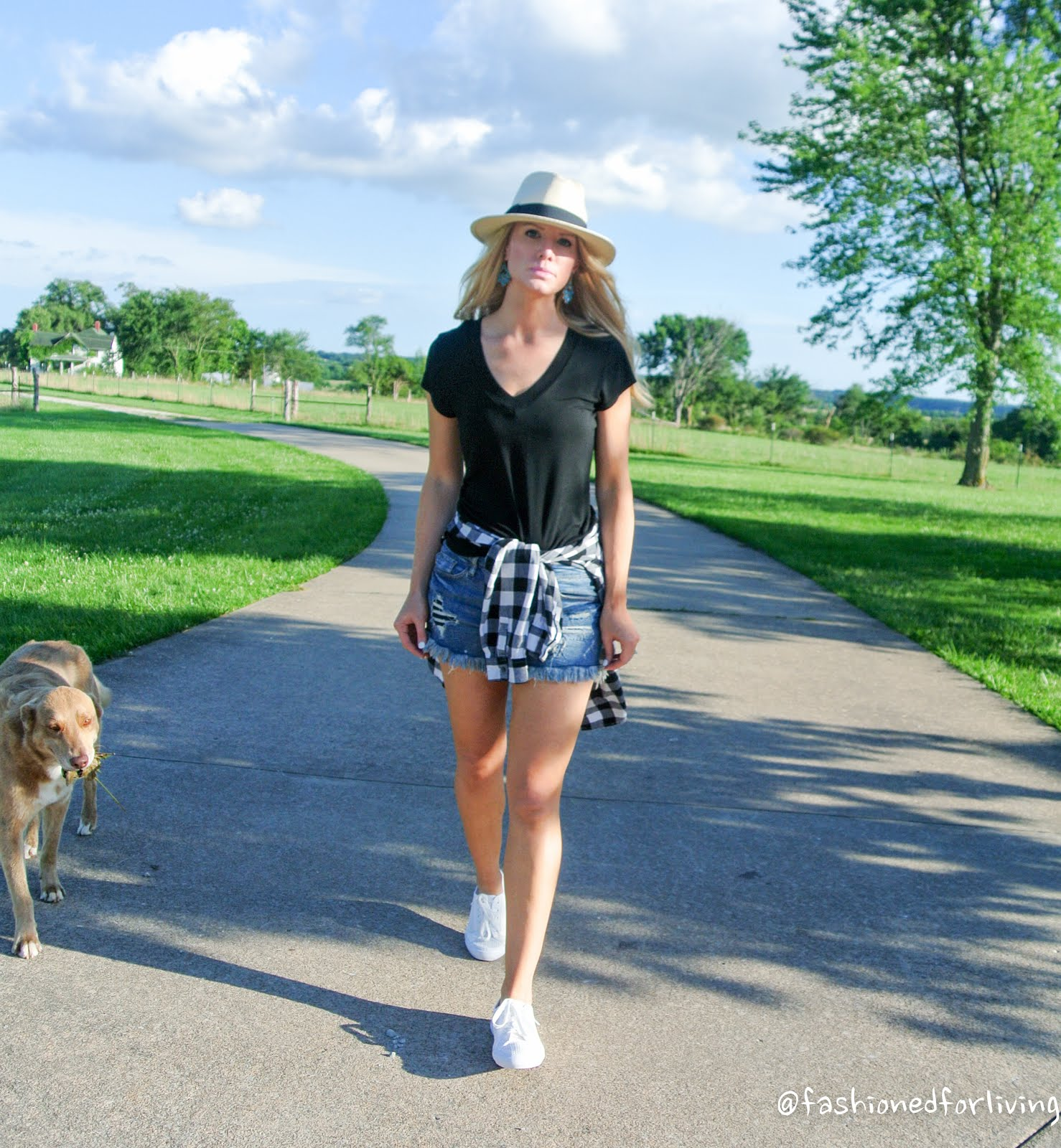 denim cutoffs. black and white flannel. pananama hat. black and white outfit. cutoff shorts outfit.-31