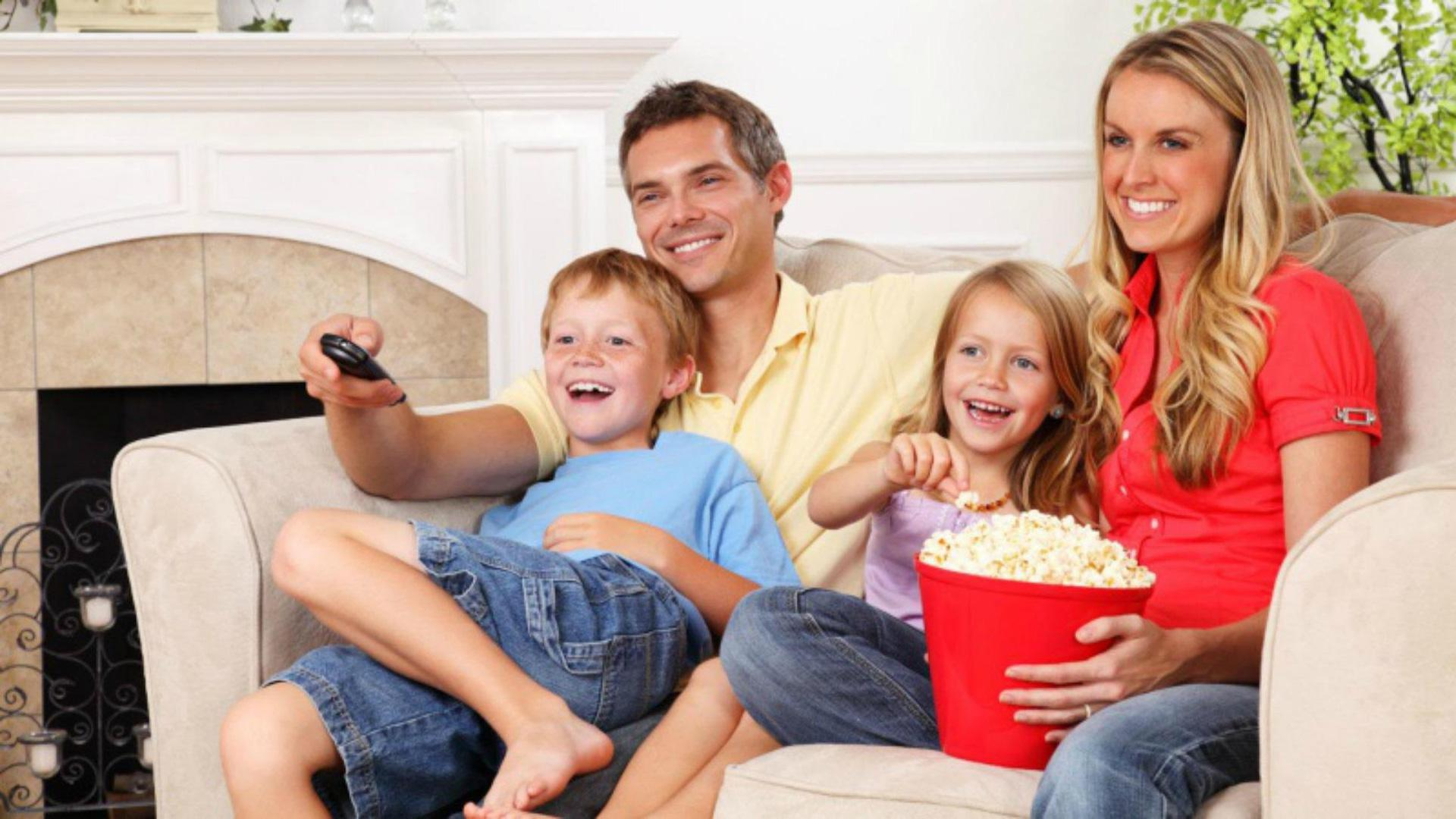 why-you-should-watch-movies-with-your-kids-regularly