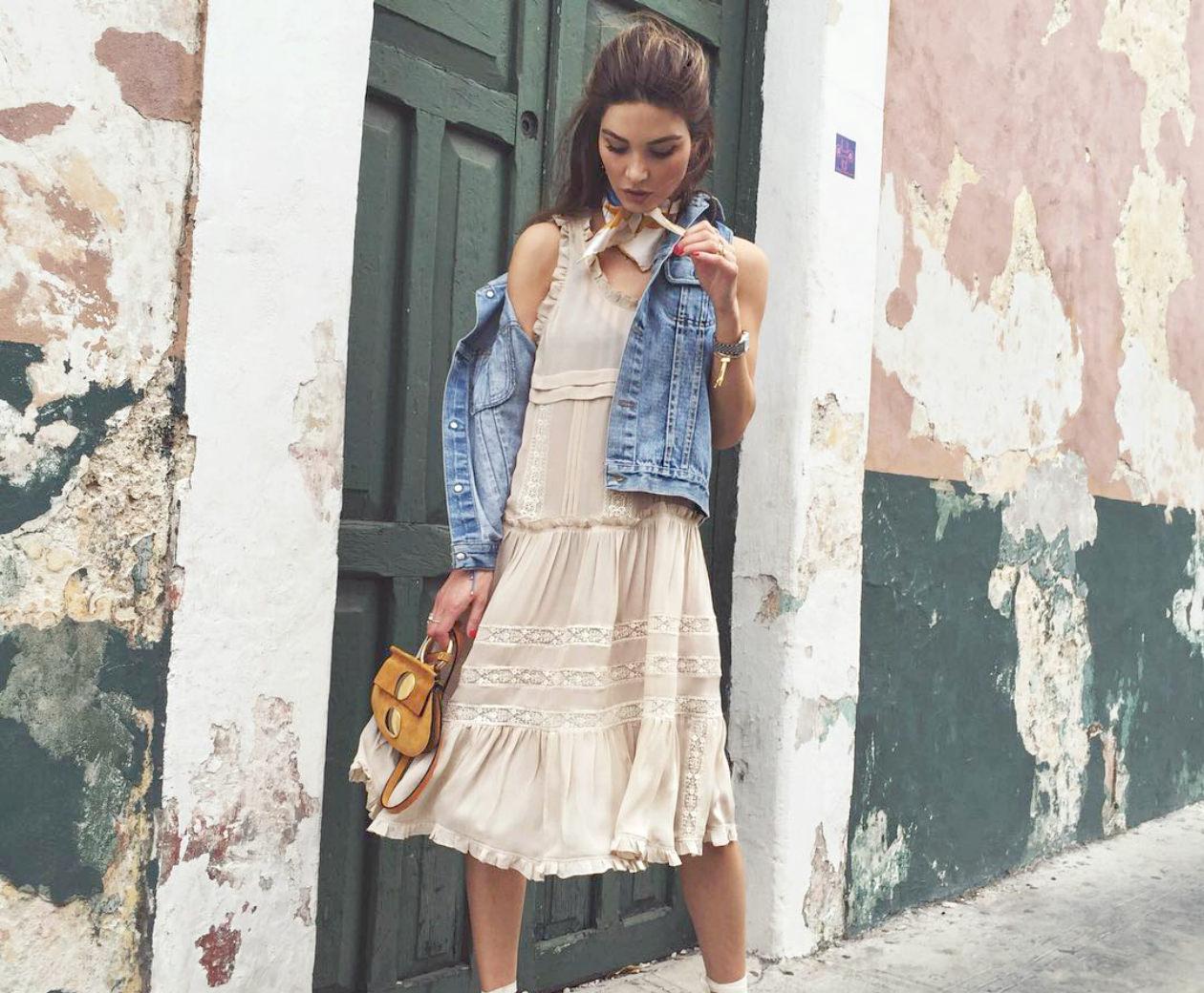 pfw-paris_fashion_week-spring_summer_2016-street_style-say_cheese-choe_dress-long-maxi-denim_jacket-veronika_heilbrunner-790x1185