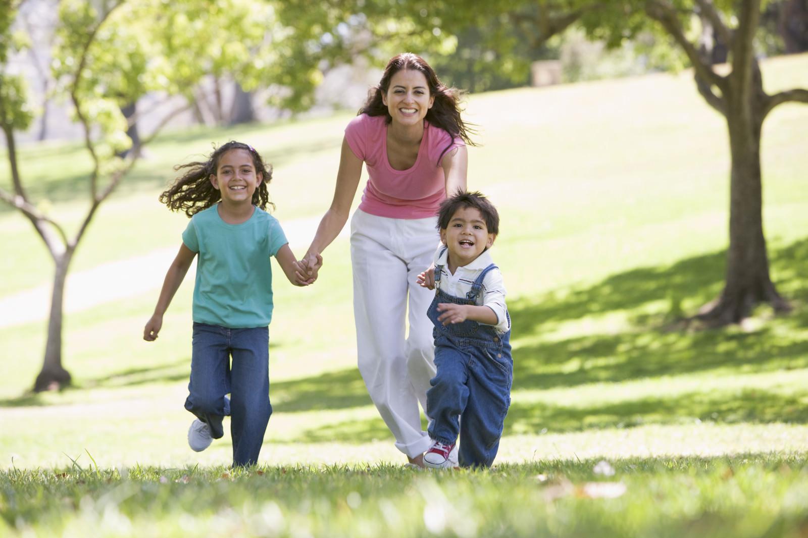 mom-and-kids-at-play