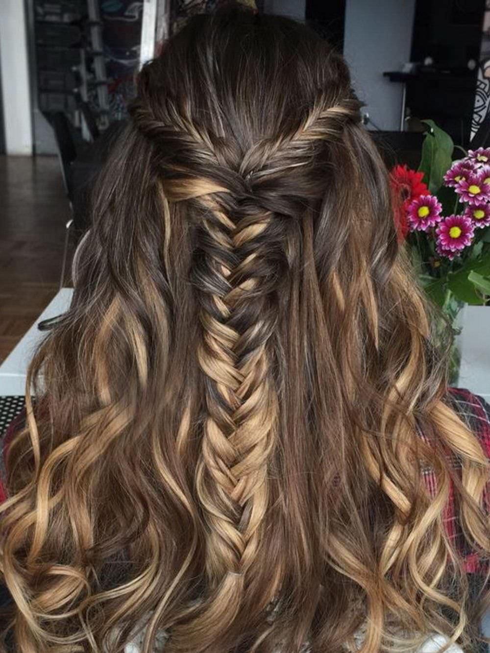 dc07fd63d8e3 Βήμα-βήμα όμορφες πλεξούδες για τα μαλλιά σου!