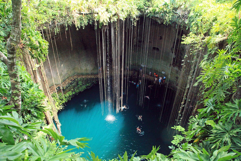 Cenote Ik Kil (Chichen Itza, Mexico)