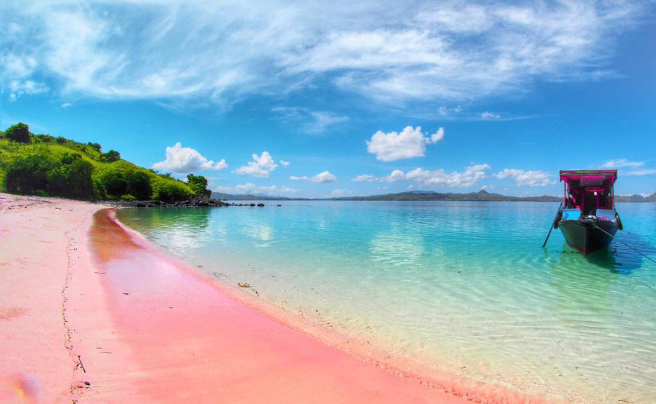 Pink Beach, Flores, Indonesia