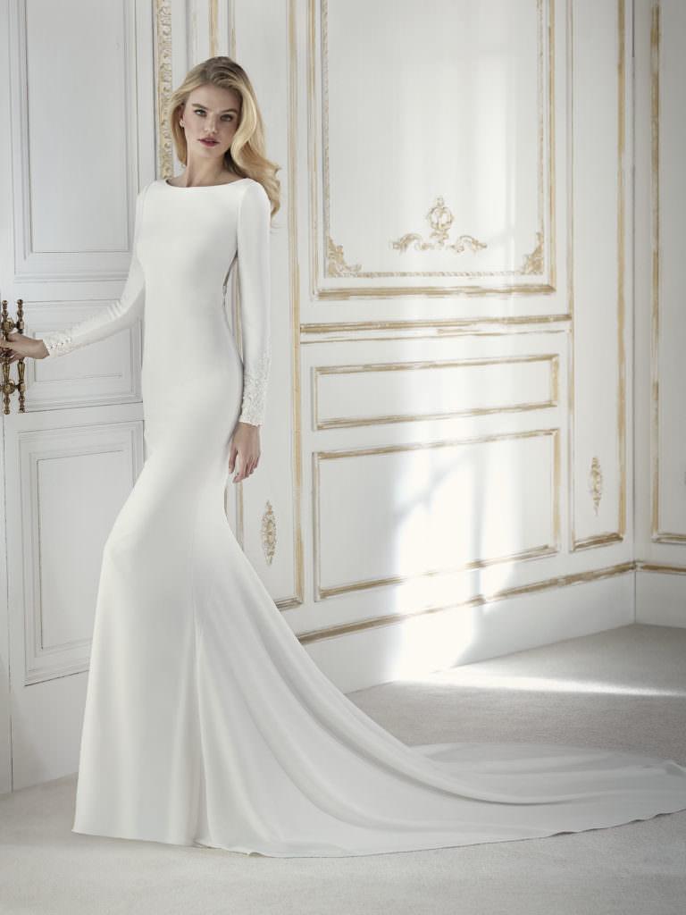 paladium_b-la-sposa-san-patricklong-chic-minimal-wedding-dresses