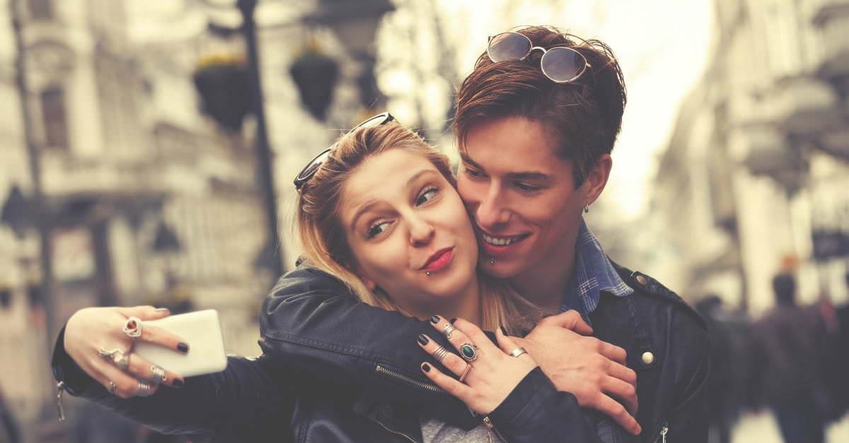 37129-couple-taking-selfie-1200.1200w.tn
