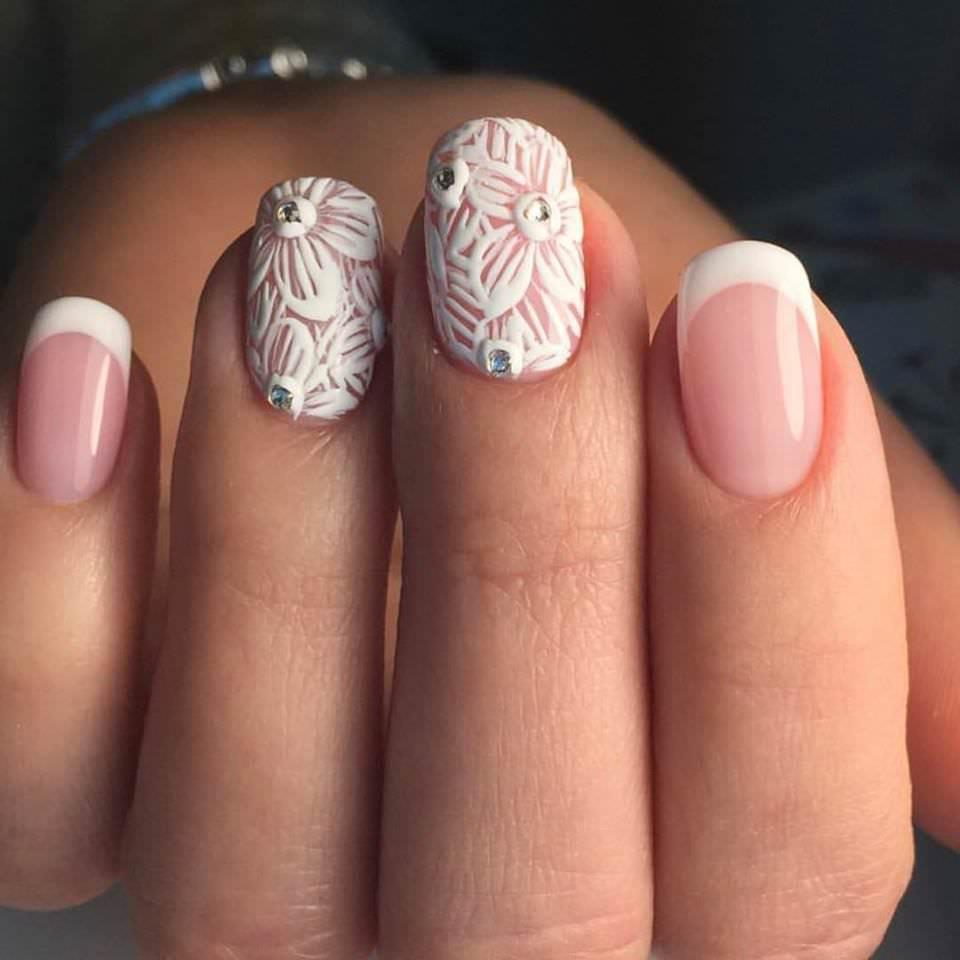 glam-bridal-nails