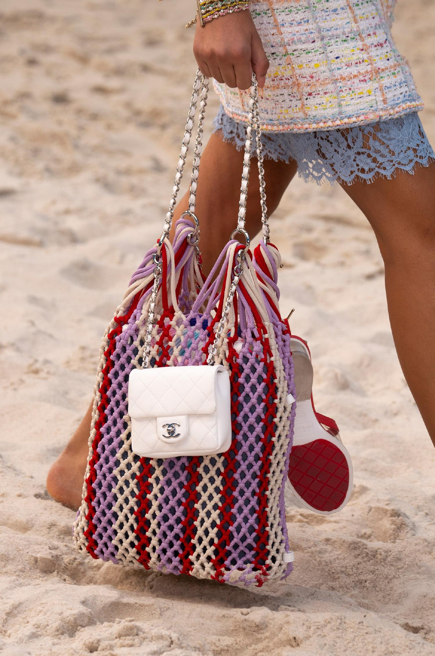 57038d3675 Η αλήθεια είναι ότι αγαπώ το καλοκαίρι για πάρα πολλούς λόγους… Τώρα όμως  έχω ακόμα έναν λόγο…Τις αγαπώ αυτές τις τσάντες.