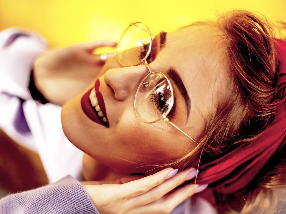 cd48d785ed Αυτά που πρέπει να προσέξεις στο μακιγιάζ όταν φοράς γυαλιά μυωπίας! in  Beauty 1 Απριλίου 2019 31 Μαρτίου 2019