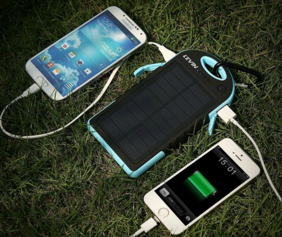 2-chargeur-solaire-600x600