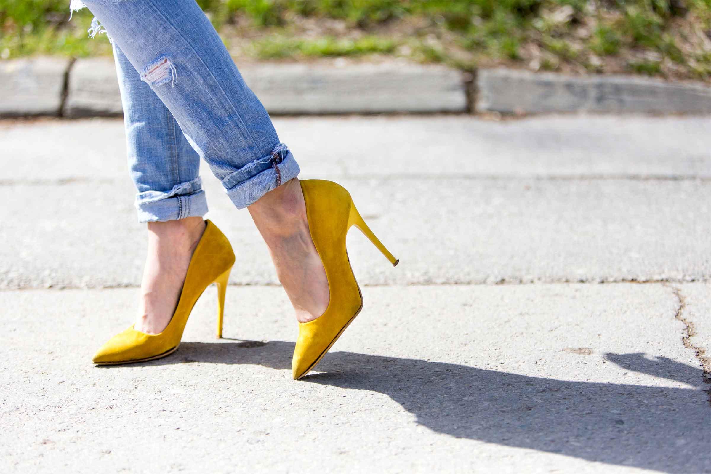 01-high-heels-opener