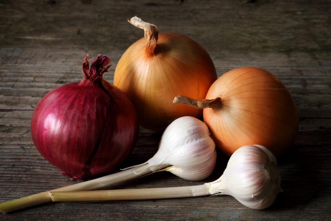 onions-and-garlic-on-a-table-may-cause-bad-breath